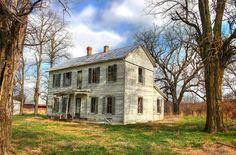 abandoned farm house near the Missouri river