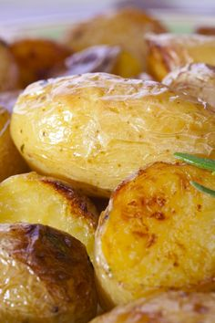 Roasted Fingerling Potatoes with Garlic and White Truffle Oil Recipe
