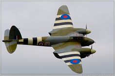 'Wooden Wonder' The deadly De Havilland Mosquito (Mossie) - wartime_images Ww2 Aircraft, Fighter Aircraft, Fighter Jets, Aircraft Images, Military Jets, Military Aircraft, Military Weapons, Me262, Grandes Photos