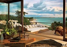 Donna Karan's House in Turks and Caicos Donna Karans modernes Strandhaus in Turks- und Caicosinseln Architectural Digest Architectural Digest, Villa Luxury, Outdoor Spaces, Outdoor Living, Outdoor Sofa, Indoor Outdoor, Outdoor Patios, Outdoor Kitchens, Outdoor Seating