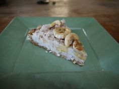Banana cream pie, raw vegan recipe - make without nuts in the crust or use a graham cracker crust
