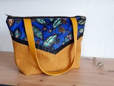 Royal Blue Background, End Of Winter, Big Bags, Floral Motif, You Bag, Diaper Bag, Creations, Black Leather, Clothes Crafts