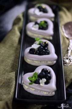 Macaron Herzen mit Blaubeeren   MaLu's Köstlichkeiten