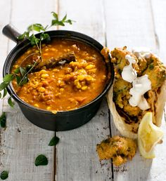Indian corn dhal with chickpea fritters Indian Food Recipes, Gourmet Recipes, Soup Recipes, Healthy Recipes, Ethnic Recipes, Indian Foods, Fruit Smoothie Recipes, Healthy Smoothies, Chickpea Fritters