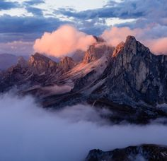 Last rays - Last sunrays on Monte Gusela, Dolomites Nature Pictures, Cool Pictures, Cool Photos, Places Around The World, Around The Worlds, Tenerife, Natural Wonders, The Great Outdoors, Beautiful Places