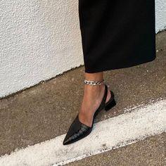 Kendra Alexandra Source by annzbananzzz de mujer de moda Look Fashion, Fashion Shoes, Autumn Fashion, Fashion Outfits, Womens Fashion, Fashion Beauty, Pretty Shoes, Cute Shoes, Me Too Shoes