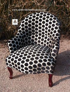 Please check more! Funky Furniture, Furniture Upholstery, Chaise Chair, Armchair, Love Chair, Painted Chairs, Take A Seat, Cool Chairs, Entryway Decor