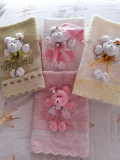 (1) Facebook Sewing For Kids, Baby Sewing, Towel Crafts, Birthday Photography, Art N Craft, Doll Quilt, Welcome Baby, Baby Decor, Burp Cloths