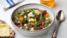Köttsoppa med klimp - Det här är traditionell svensk husmanskost