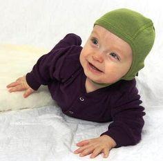 Cosilana Häubchen in Grün in der Bio-Babywelt