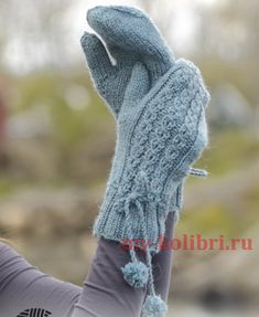 Maggie Blues Mittens pattern by DROPS design Crochet Mittens Pattern, Crochet Socks, Crochet Gloves, Knit Mittens, Knitting Socks, Knitting Patterns Free, Free Pattern, Free Knitting, Hat Patterns