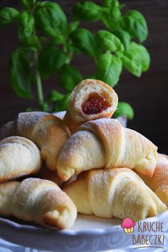 Rogaliki drożdżowe najlepsze | kruche babeczki Pretzel Bites, Bagel, Donuts, Hamburger, Good Food, Bread, Cooking, Sweet, Ha Ha