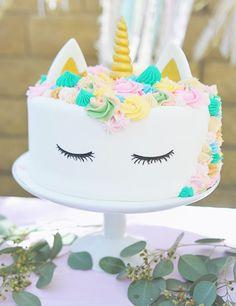 Smash Cake SoCal | Bohemian Unicorn 1st Birthday, boho, unicorn, pink, balloon garland, dream catcher, unicorn cake, unicorn head, hand lettering, chalk sign, unicorn horn cupcakes, balloon centerpiece