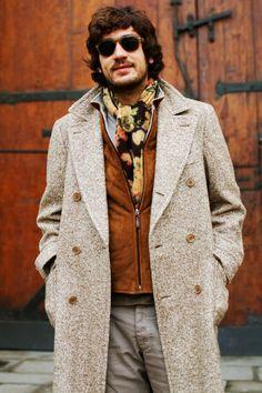 Print Scarf, Florence « The Sartorialist Dapper Gentleman, Sartorialist, Sharp Dressed Man, Pitta, Blazer, Stylish Men, Scarf Styles, Elegant, Men Dress