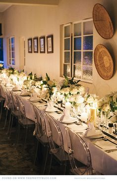 White & gold wedding table decor | Photo: welovepictures Keywords: #goldweddings #goldandwhiteweddingtabledecor #inspirationandideasforgoldweddingplanning #jevel #jevelweddingplanning Follow Us: www.jevelweddingplanning.com www.pinterest.com/jevelwedding/ www.facebook.com/jevelweddingplanning/ https://plus.google.com/u/0/105109573846210973606/ www.twitter.com/jevelwedding/