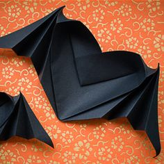 Looking for a nice Halloween origami model? Look no more! Find out how to fold this elegant Bat-Winged Origami Heart!