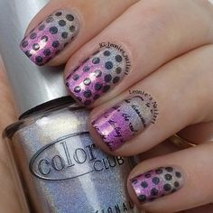 Gradient with Dots and Writing - Leonie's Nailart
