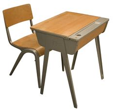 Exceptionnel Good Old School Desk And Chair From The 60s.