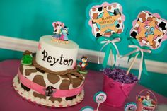 #Ideas para organizar un cumpleaños con Sheriff Callie Decoración para cumpleaños, tortas, souvenirs, tarjetas y mucho más.  Compartido por #MundoMab  Descarga tarjetas de cumpleaños de Sheriff Callie aquí http://mundomab.com/index/invitaciones-sheriff-callie-para-imprimir/