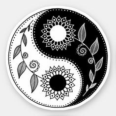Arte Yin Yang, Ying Y Yang, Yin Yang Art, Yin And Yang, Mandala Drawing, Mandala Art, Symbole Ying Yang, Style Floral, Floral Design