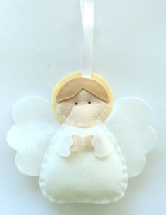 Este angelito de fieltro es ideal para el árbol de #Navidad ||Felt Angel