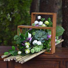 Grave Flowers, Funeral Flowers, Flower Room Decor, Four Seasons, Flower Arrangements, Succulents, Aga, Green, Plants
