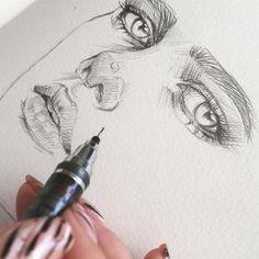 Скетчить на @maxgoodz aquarelle light мне тоже нравится! ☺️Возможно сделаю какую-то микседмедиа из этого блокнота) или хотя бы этого наброска) *картинка не имеет референса #скетч По тегу #наколенныезарисовки - все мои скетчи и эскизы) #рисунок #drawing #sketch #sketchbook #art #набросок