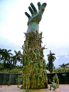 Miami Beach, Florida Holocaust Memorial This is an amazing memorial to see Beeskneesvintagegarden