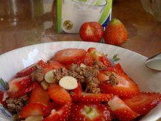 Frühstück Cornflakes Erdbeer Milch