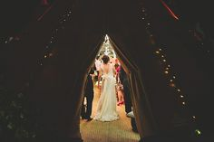I am in love with this wedding by the licensed Sperry Tents distributor in the UK - Papakata!