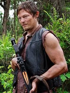 Daryl Dixon Picture from The Walking Dead. Daryl Dixon, he's my favorite survivor in The Walking Dead series. Daryl Dixon Walking Dead, Fear The Walking Dead, Daryl Dixon Season 1, Raining Men, Need To Lose Weight, Film Serie, Norman Reedus, Best Shows Ever, Memes