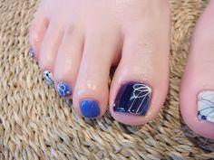 NAIL-COMMON: 今年も!藍染めの浴衣ネイル Pedicure Designs, Toe Nail Designs, Hair And Nails, My Nails, Feet Nail Design, Cute Pedicures, Japanese Nail Art, Feet Nails, Toe Nail Art