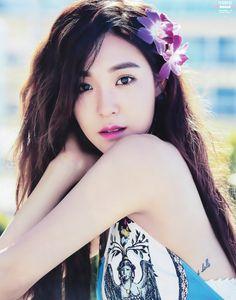 SINGLES | Tiffany Hwang