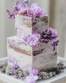 Indescribable Your Wedding Cakes Ideas. Exhilarating Your Wedding Cakes Ideas. Purple Cakes, Purple Wedding Cakes, Wedding Cake Rustic, Cool Wedding Cakes, Wedding Cake Designs, French Wedding, Lilac Wedding, Wedding Flowers, Purple Party