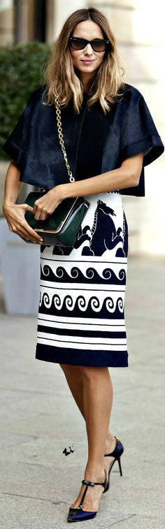 Gorgeous pattern on the skirt. I'd love this for a comforter or curtain print!