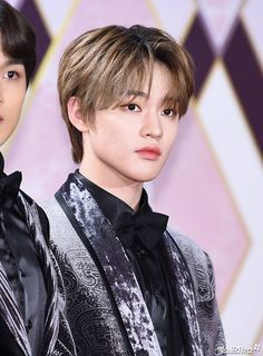"""""""this is absolute madness, look at how beautiful he is. chenle's visuals are no joke"""" Taeyong, Jaehyun, Nct Chenle, Baby Dolphins, Korean Entertainment, Soyeon, Nct 127, Future Husband, Boy Groups"""
