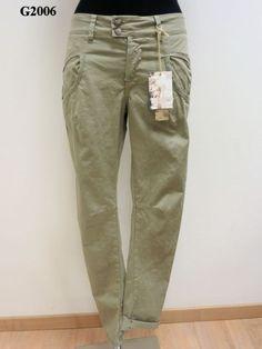 Pantalone con tasca a carrettiere tinto capo
