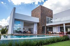Casas modernas por Domm Arquitetura Ltda