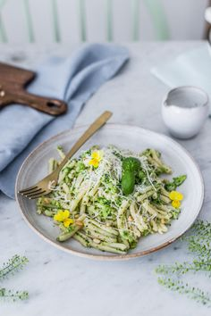 Loooking for a delicious and quick dinner? how about this broccoli pesto pasta? healthy, easy and ready in 15 minutes/ vegetarian/ easy / healthy / dinner/ Cestoviny s brokolicovým pestom / Broccoli Pesto, Brocolli, Pesto Pasta, Food Photography Props, Cake Blog, Easy Healthy Dinners, Food Inspiration, Baking Recipes, Cabbage