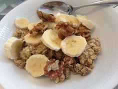 Addiction breakfast  2 dl oatmeal + 2 eggwhites + cinnamon to fry. Serve with fruit