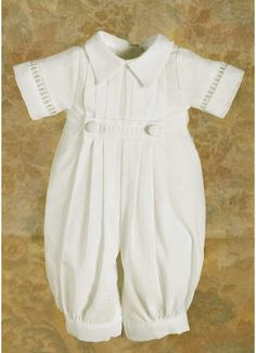 Little David Preemie Romper made of 100% cotton with handsome pleats and pointed collar. Mid-weight to keep your sweet little one warm.