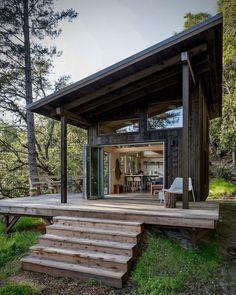 Tiny House Cabin, Tiny House Living, Tiny House Plans, Tiny House Design, Cabin Homes, Tiny Homes, Small Cabin Plans, Small Cabin Designs, Modern Tiny House