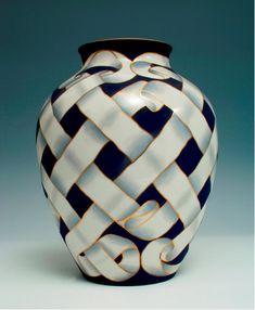 Art Deco Ribbon Ceramic Vase by Giovanni Gariboldi Porcelain Jewelry, Porcelain Vase, Fine Porcelain, Ceramic Vase, Ceramic Pottery, Pottery Art, Painted Porcelain, Hand Painted, China Painting