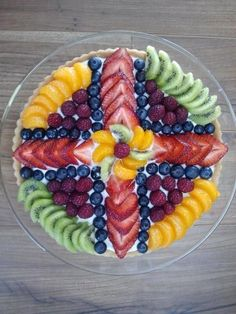 Fruit pizza for Easter Brunch/ Easter Fruit and Veggie Platters from Around the Web recipes appetizers recipes brunch recipes brunch breakfast bake recipes for kids easter recipes easter recipes brunch Easter Recipes, Fruit Recipes, Holiday Recipes, Cooking Recipes, Fruit Dips, Dinner Recipes, Fruit Salad, Cooking Tips, Veggie Platters