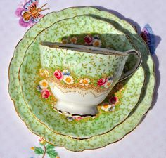Paragon Damask Rose fine china vintage tea trio