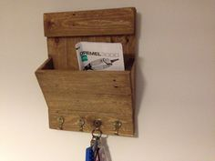 £25 letter rack and key holder
