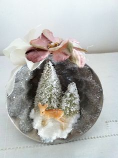Vintage inspired Christmas diorama in vintage jello by jtjujubees, $20.00
