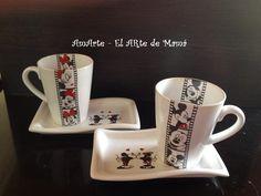 Set Desayuno (Plato Ondulet y Taza Conica) Buscanos en Facebook AmArte El Arte de Mamá
