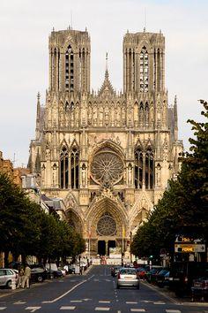 Facade de la Cathédrale de Reims: It's about the details but then it's about the whole thing, too. Cathedral Architecture, Sacred Architecture, Religious Architecture, Concept Architecture, Beautiful Architecture, Beautiful Buildings, Reims Cathedral, Gothic Cathedral, Cathedral Church