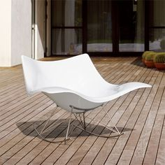 Stingray Rocking Chair by Thomas Pedersen Plastic Rocking Chair, Danish Design Store, Outdoor Furniture, Outdoor Decor, Outdoor Living, Mid-century Modern, Cool Designs, Upholstery, House Design